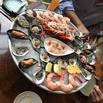 This was a one tier seafood platter.