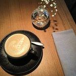 Лучший кофе и та самая очаровательная вазочка)