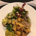 V-mOnd Restaurant & Take-away Foto