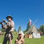 American Mountain Man Tom Roberts shows how a beaver trap works during Green River Rendezvous Da
