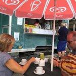 Photo de Bonne Nuit Beach Cafe