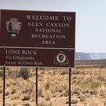 Foto Lone Rock Beach