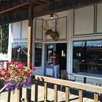Oregon Trail Store and Deli resmi