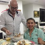 Cenando comida árabe