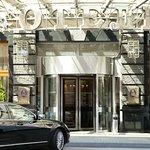 Вход в отель/Entrance
