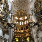 Foto Katedral dan Royal Chapel (Capilla Real)