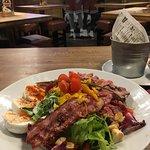 roastbeef and eggs salad
