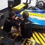Race car tyre change