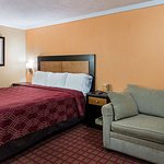 Econo Lodge West Dodge
