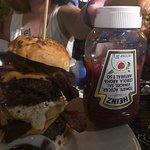 Foto de Armadillo Burgers & Grill