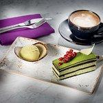 Ukiyo Lounge& Bar Matcha Cake