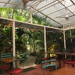 El Patio de Café Milagro - Manuel Antonio Foto