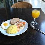 Завтрак в ресторане, по системе шведский стол