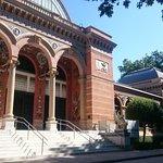 Palacio Velasquez, al suo interno abbiamo visitato una mostra temporanea.