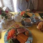 Mrs Burton's Restaurant and Tea Room Foto
