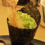 Ebi tempura temaki