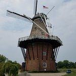 صورة فوتوغرافية لـ Windmill Island Gardens