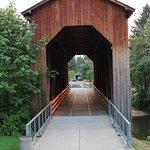 صورة فوتوغرافية لـ Chambers Railroad Bridge