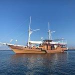 Foto de Barefoot Yachts Indonesia