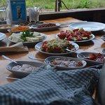 Foto de Bizim Ev Hanimeli Restaurant