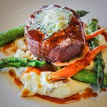 Petite Fillet with garlic mashed potatoes and asparagus