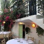 صورة فوتوغرافية لـ Avra Restaurant - Garden