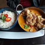The cauliflower, tofu curry. Huge serving. Best curry we've found.