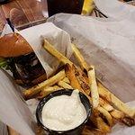 Foto van Lucky Beaver Bar and Burger