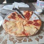 Foto van Pizzeria La Caveja
