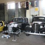 Photo de Old car museum