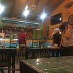Фотография Shakers Bar & Grill