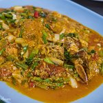 Soft shell crab curry (boo neem pad pongari ปูนิ่มผัดผงกะหรี่)