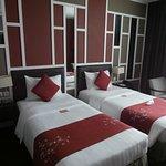 Twin share, Royal Lotus Hotel, Halong Bay
