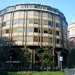 Edificio per uffici di Piazza Meda Foto