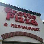 Grotto Pizzaの写真