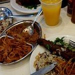Meia porção de arroz com lentilha com duas kaftas