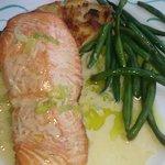 Wild Salmon with Potatoes au Gratin