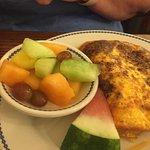 Omlet & fruit