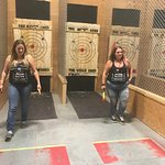 The Wood Shed - Axe Throwing-billede