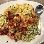 Garlic shrimp with linguine! Delicious 😋
