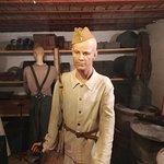 Un prisonnier soviétique dans l'atelier ??? Avec une veste de travail allemande ?