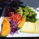 Salade composée de beaux et bons ingrédients