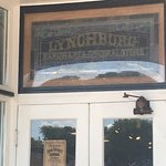 Lynchburg Hardware and General Storeの写真