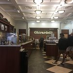 Фотография Ghirardelli Ice Cream & Chocolate Shop