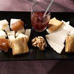 Tabla de degustación de quesos de la sierra de Cadiz.