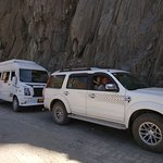 Cars waiting for the road to clear at Zojila Pass