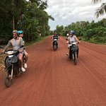 Foto de Khmer Ways - Moto Adventures Day Tours