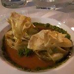 straccetti di pasta fillo ripieni di melanzane e burrata, con salsa di pomodoro e pesto