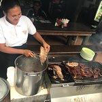 Foto de Naughty Nuri's Warung and Grill