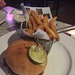 Foto de Tom's NFL American Sports Bar & Grill